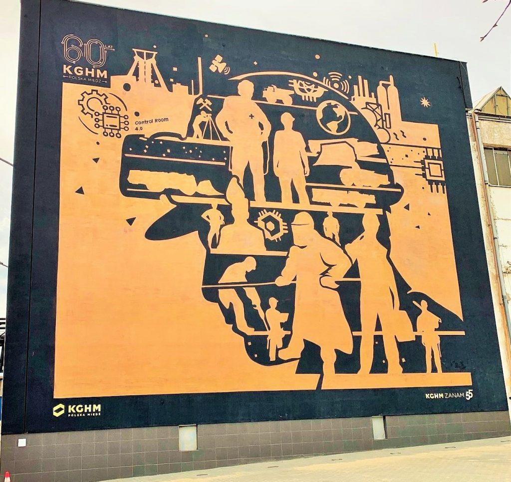 Miedziany mural na budynku KGHM Zanam w Legnicy